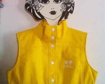 Courreges bright yellow iconic vinyle sleeveless short jacket white snap fasteners / small - medium