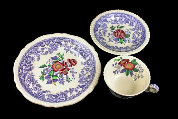 Teacup Trio, Copeland Spode, Mayflower, Floral Center,  Teacup Saucer and Plate, Display Set