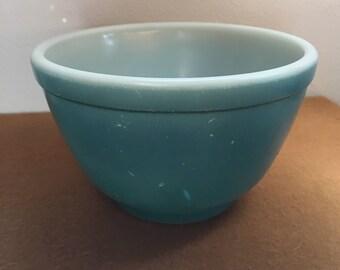 Pyrex blue turquoise bowl