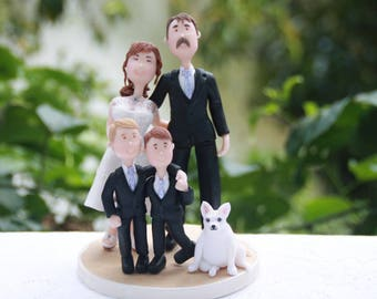 Family figurines, couple with children and pet. Cheeky couple - Hands on butt. Handmade. Fully customizable. Unique keepsake
