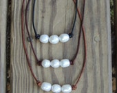 Freshwater Pearl and Leather necklace - leather necklace - beach necklace - leather choker - boho style - pearl necklace - layering necklace