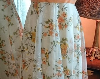 Vintage 1960's Floral Prom Bridesmaid Garden Party Gown