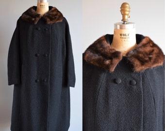 Winter Wren wool & fur coat - vintage 1960s cocoon coat - 60s fur collar coat