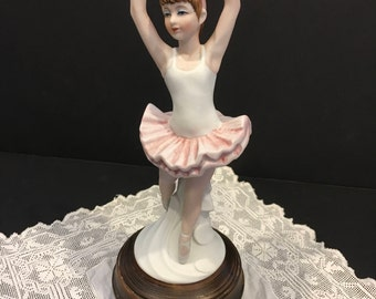 Vintage Musical Ballerina Turns Spins Genuine Porcelain China Japan Dance Ballet Tu Tu Girls Bedroom Decor Gift for Dancer Figurine