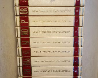 New Standard Encyclopedia Set (c) 1975