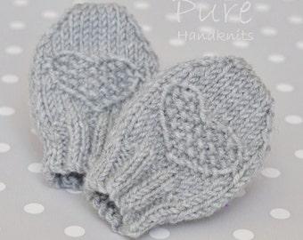 SIMPLE KNITTING PATTERN  Fay preemie and newborn baby mittens