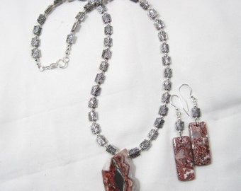 Lace Agate Slice Necklace and Matching Earrings Set