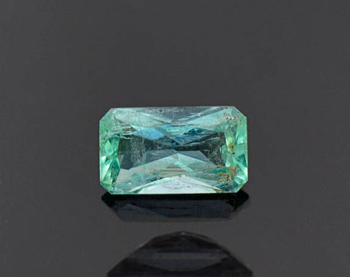 Lovely Mint Green Emerald Gemstone from Colombia 0.96 cts.