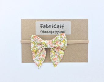 Floral Bow Headband. Floral Bow. Summer Bow. Baby Bow Headband. Floral Infant Headband. Summer Headband. Baby Headband. Gift for Baby Girl.