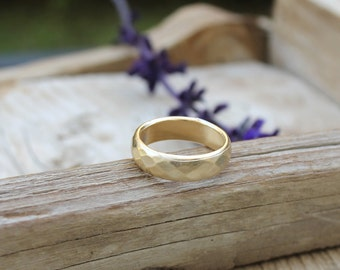 Faceted wedding band for women or men hammered gold ring geometric wedding ring unique gold wedding band gold faceted ring
