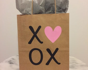 XOXO Valentine's Day Pink Heart Gift Bag