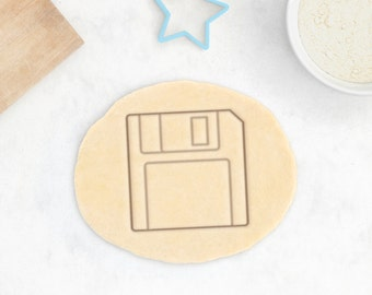 Floppy Disk Cookie Cutter – PC Master Race Cookie Cutter CD DVD Blu Ray Retro Save Geek Cookie Cutter – 3D Printed