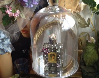 Cloche With Silver Mirrored Stand