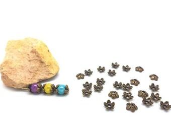 30 caps cups 7x6mm bronze flowers