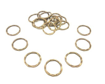 20 closed rings hammered bronze 24mm