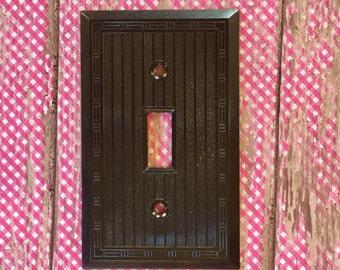 Vintage SA Single Toggle Brown Smoothie Switch Plate