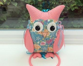 Owl wall Hanger / kitchen accessories / novelty owl / cute owl / fabric owl / owl decoration / bird hanger / animal hanger / cute bird / owl