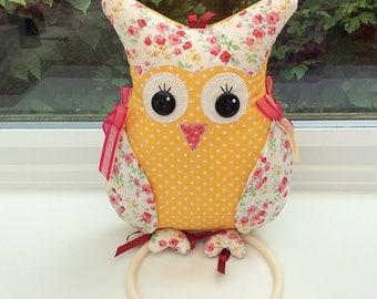 Owl wall Hanger / kitchen accessories / novelty owl / cute owls / fabric owls / owl decorations / bird hanger / animal hanger / cute birds