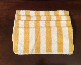 Set of 4 Vintage Matching Wash Cloths made by Style House