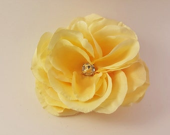 Pale yellow flower hair clip