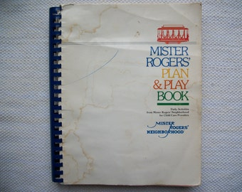 Mister Rogers' Plan & Play Book Child Care Providers Daily Activities 1985