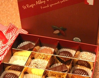 Organic Brown Chocolate Box - Surprise your loved ones!