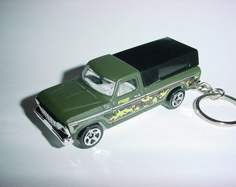 3D 1979 Ford F-150 custom keychain by Brian Thornton keyring key chain finished in green camo trim