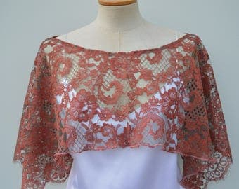 Cache shoulder lace, lace, elegant woman cape poncho