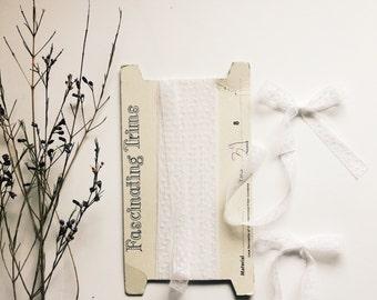 Vintage lace bow [ White Swiss dot ]