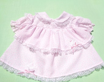 Vintage baby girls tier dress size 3-6 months see measurements light pink lace trim 2 applique bunnies
