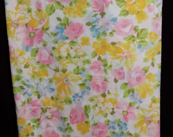 1 pc. very adorable full size flat top sheet, adorned with multi colorful roses and daisy flowers.