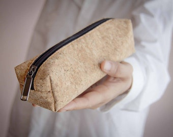Cork Pencil case / Pen bag : Federmappe made of recycled cork Plain