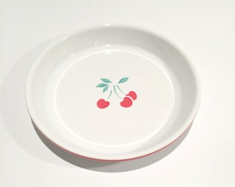 1970's Berries Jubilee Cherry Pie Plate