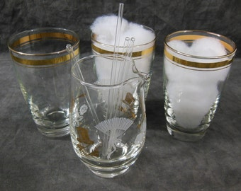 Libbey Tumblers With a Mixing Glass and Glass Stir Sticks