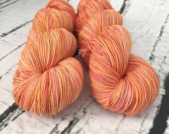 Sock yarn superwash merino, nylon, Saveur d'agrumes, hand dyed in Quebec