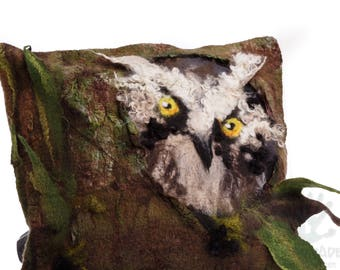 Felted decorative pillowcase / Pillow cover / Owl / Pillow/ Handmade pillow cover / Wool pillows / Made to order/ Free shipping.