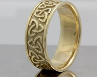 8mm Yellow Gold Celtic Knot Center, Comfort Fit Wedding Band, Gold Rings, Infinity Knot Rings, FREE Engraving