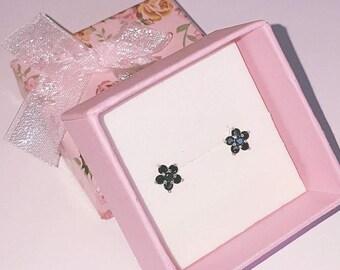 Flower Earrings / Black Earrings / Cubic Zirconia AAA