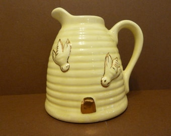 Beehive Creamer, Pottery, Made in USA
