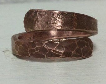 Hammered copper ring.Steampunk copper ring.Viking copper ring.Copper ring.twisted copper ring.pattern copper ring.spiral copper ring.