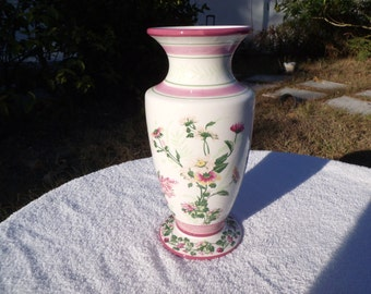 This is an FTD Vase designed by Laura Ashley entitled HOME