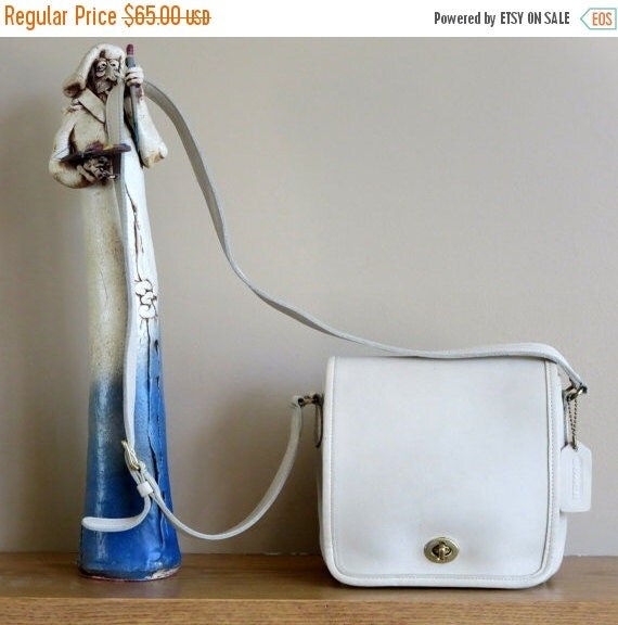 Football Days Sale Coach Bone Leather Companion Flap With Cross Body Strap No 9076- Very Good Condition