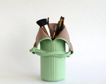 Mint Makeup Brush Holder Green Makeup Brush Organize Vegan Leather Makeup Bag Vegan Makeup Brush Roll Travel Cosmetic Bag Makeup Brush Cup
