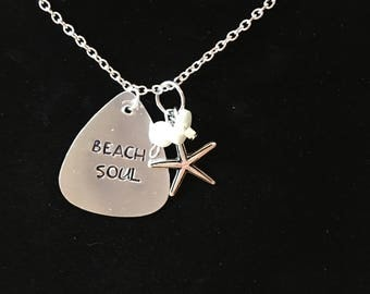 Beach Soul pendant with pearl and starfish charms