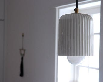 Ceramic Pendant Lamp - Pleated XL