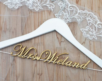 Wedding Hanger for bride or bridesmaid, Personalized Wedding hanger, Bridal Hanger, Flower Girl Hanger , Judge Gift, MOH. MOB. MOG. vet0002