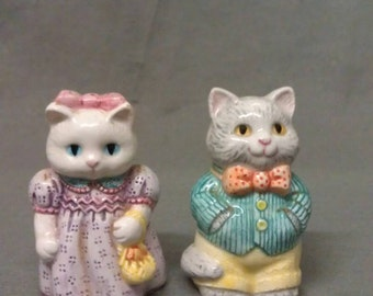 Avon white and Grey Cats Couple with Yellow and Blue Eyes and Clothes Salt and Pepper Shaker Set