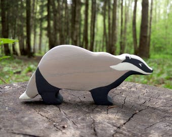 Wooden badger toy Woodland toy animals Toys for kids Wooden toy Waldorf nature table Learning toys for toddlers Eco Friendly