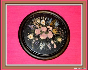 Decorative wooden coaster (plate) with handpainted flower design.