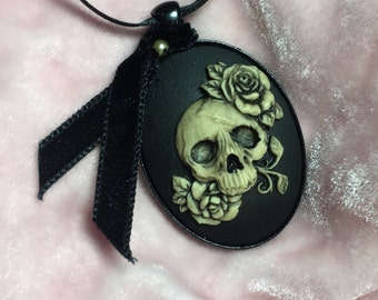 Skull & Roses Necklace